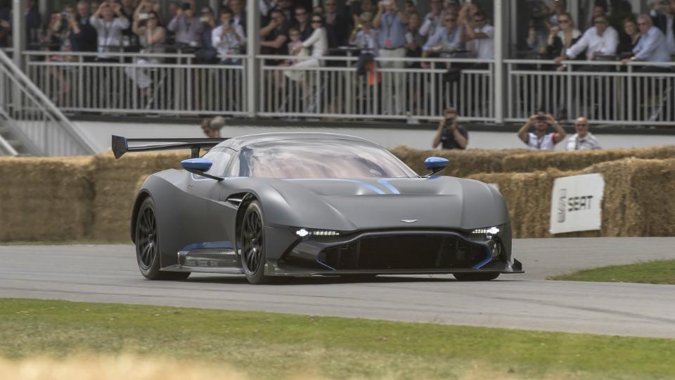 Британцы рассмотрят возможность выпуска «гражданской» версии суперкара Vulcan