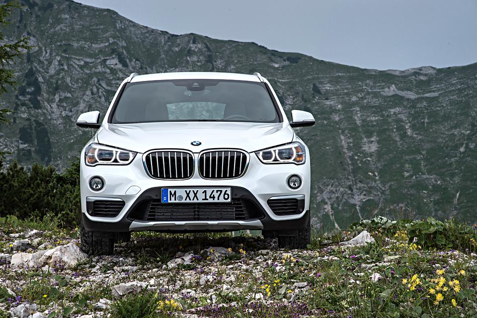 Одна эволюция и одна революция в мире BMW