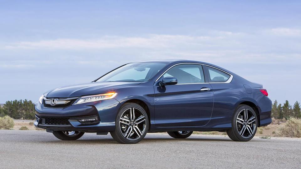 Компания Honda обновила купе Accord