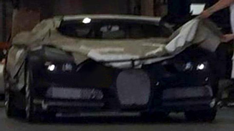 Шпионы впервые сфотографировали переднюю часть Bugatti Chiron