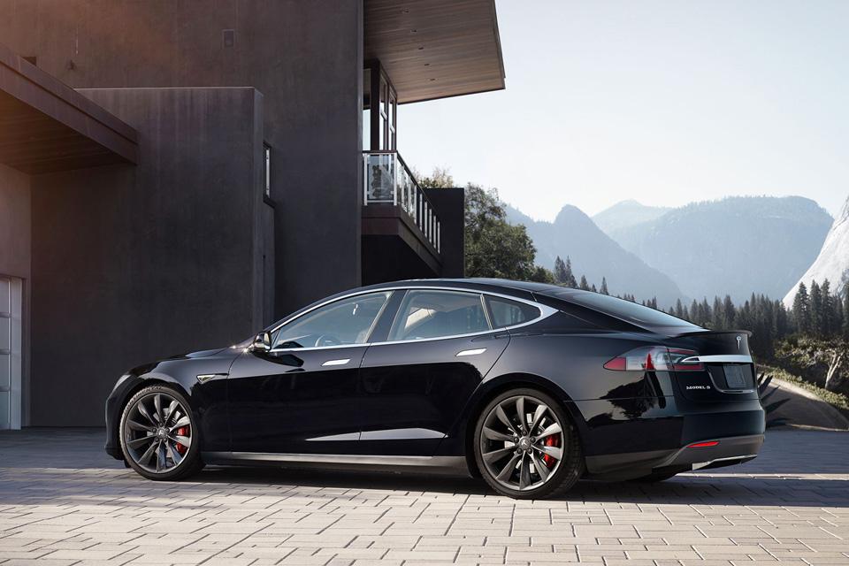 Что происходит с компанией Tesla Motors