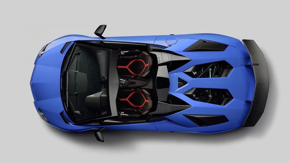 Итальянцы выпустят 500 автомобилей в версии Superveloce. Фото 1