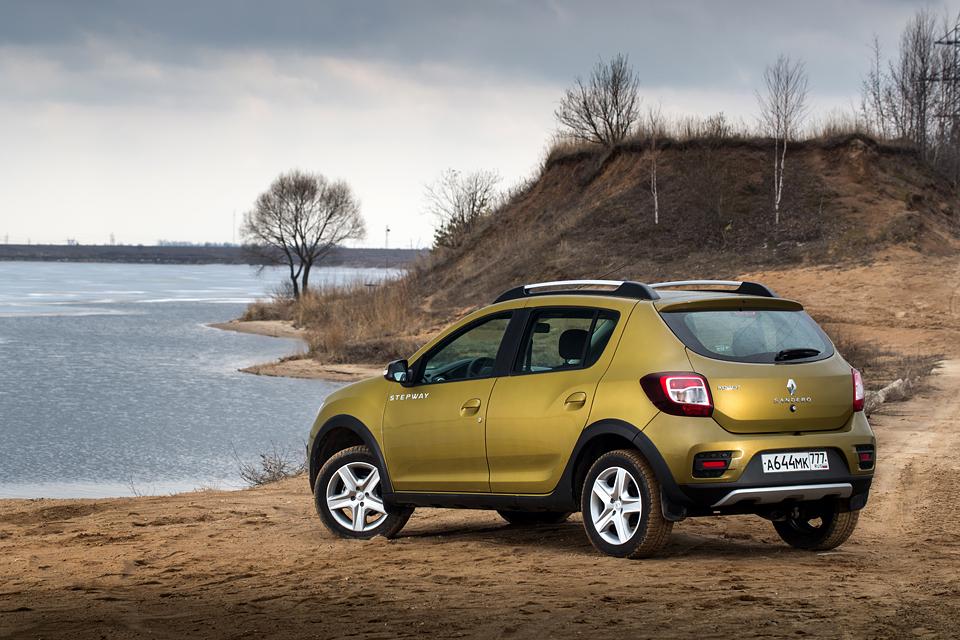 Столкновения с «Газелью» и бездорожье —  длительный тест Renault Sandero Stepway. Фото 3