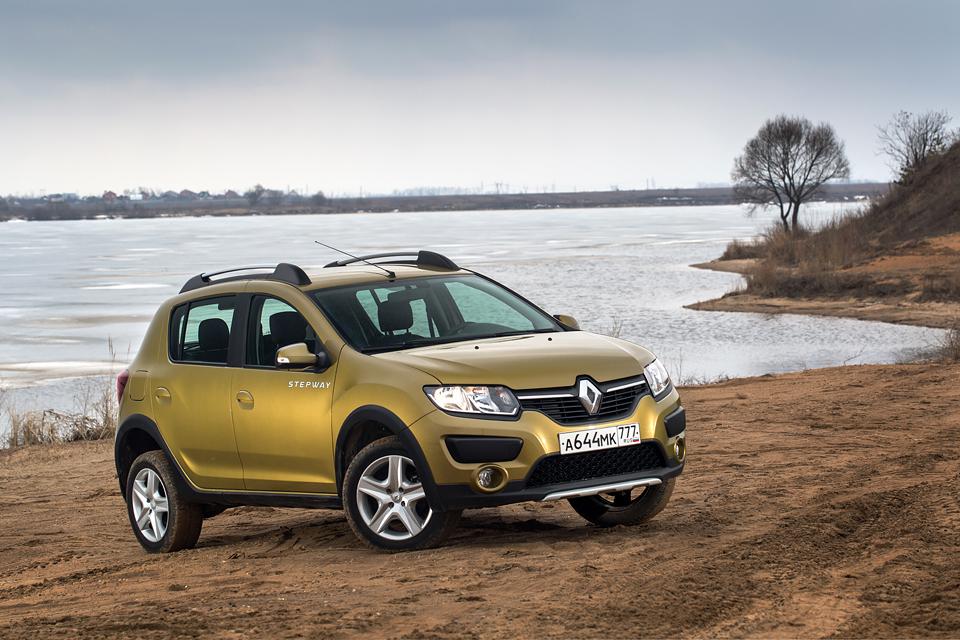 Столкновения с «Газелью» и бездорожье —  длительный тест Renault Sandero Stepway. Фото 1