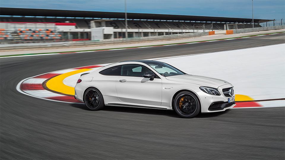 Mercedes-Benz представил конкурента BMW M4