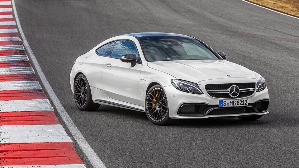 Купе Mercedes-AMG C 63 оказалось на 0,1 секунды быстрее седана. Фото 1
