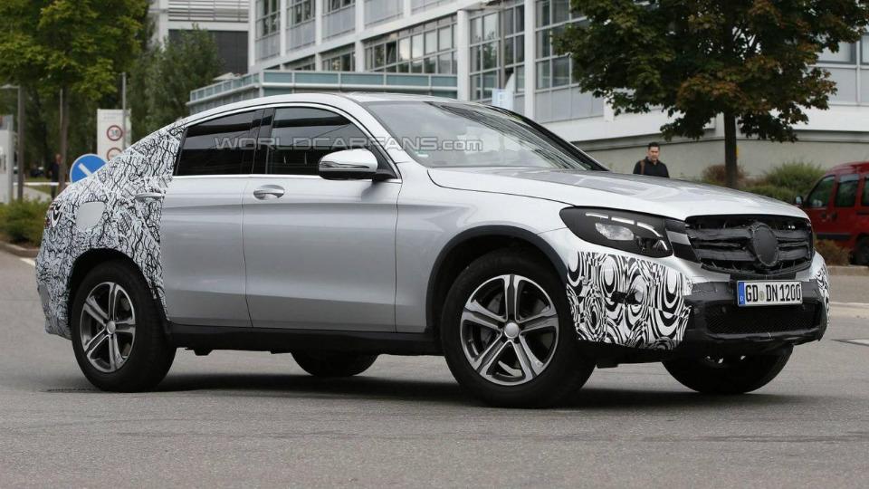 «Мерседес» начал испытания конкурента BMW X4