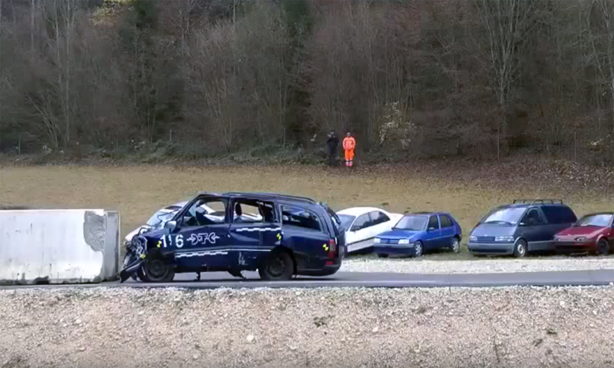 Швейцарцы показали последствия аварий на 200 километрах в час