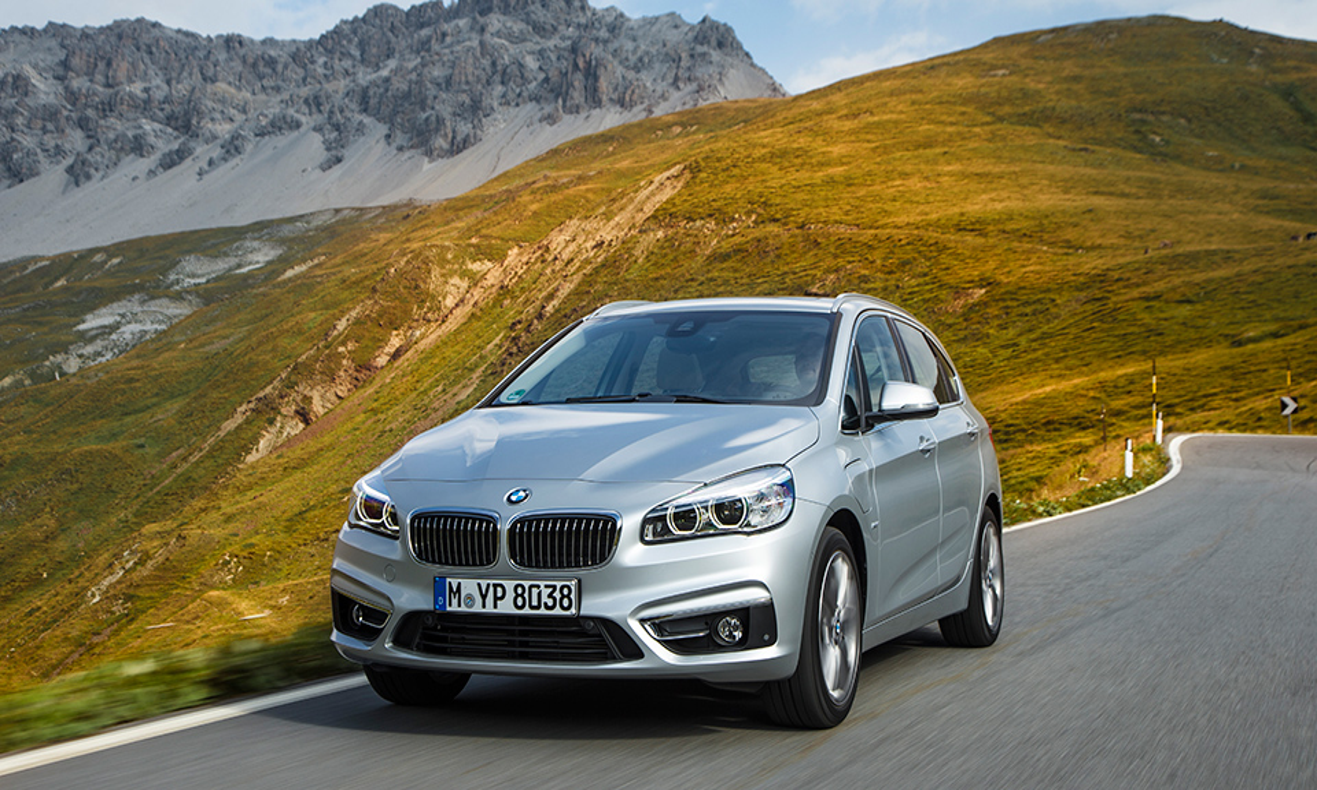 Гибридный компактвэн BMW сделали серийным