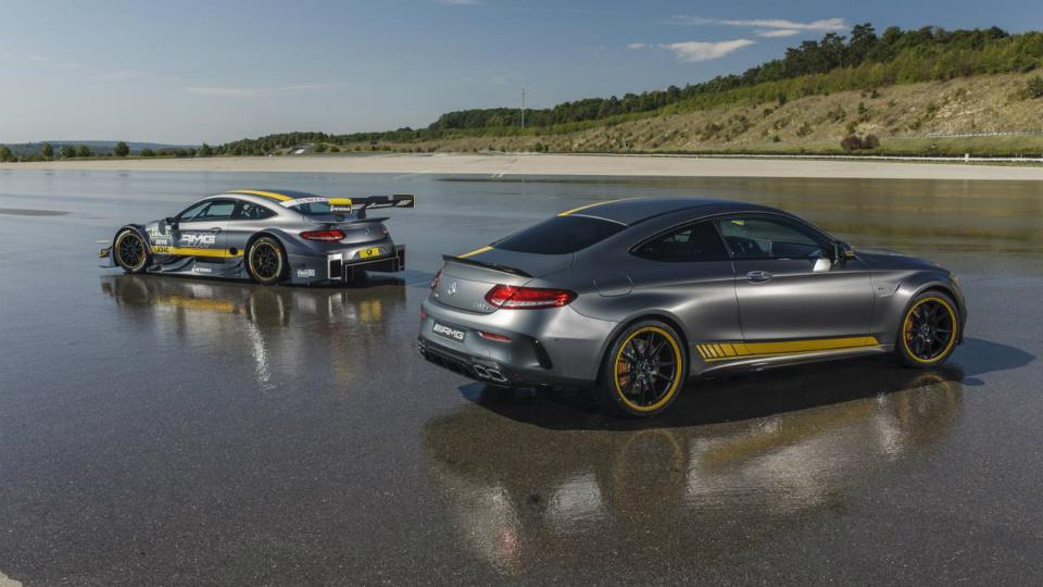 Немцы выпустили двухдверку в стилистике машины серии DTM