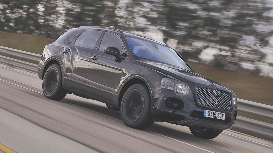 Первый внедорожник Bentley разогнали до 301 километра в час