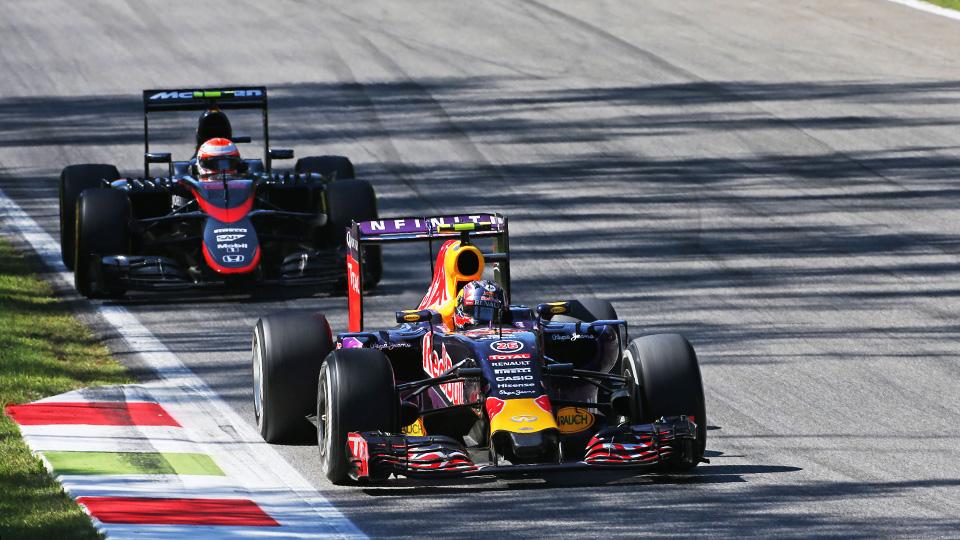Победителя Гран-при Италии ждет расследование из-за давления в шинах