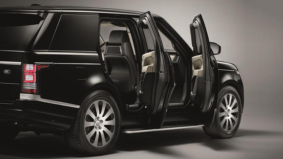 Броневик построили на базе внедорожника Range Rover Autobiography