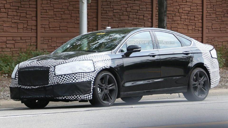 Ford начал испытания «заряженного» седана