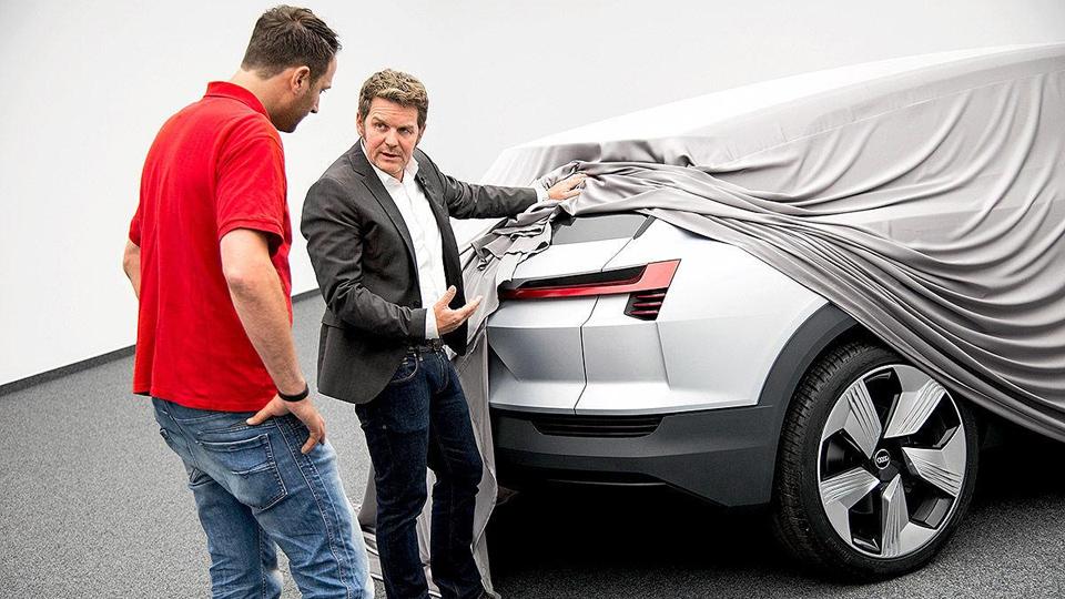 Audi готовит к дебюту конкурента Tesla Model X