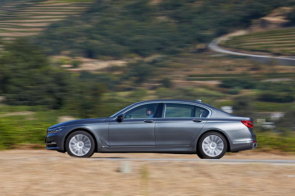 Ключ-гаджет, сидение-кровать или лавры настоящего BMW: тест новой 7 серии. Фото 12
