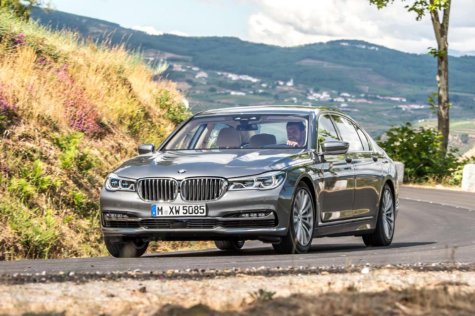 Ключ-гаджет, сидение-кровать или лавры настоящего BMW: тест новой 7 серии. Фото 13
