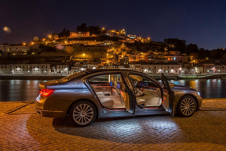 Ключ-гаджет, сидение-кровать или лавры настоящего BMW: тест новой 7 серии. Фото 18