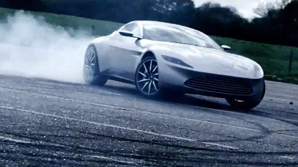 Aston Martin вывел на трек новый суперкар Джеймса Бонда
