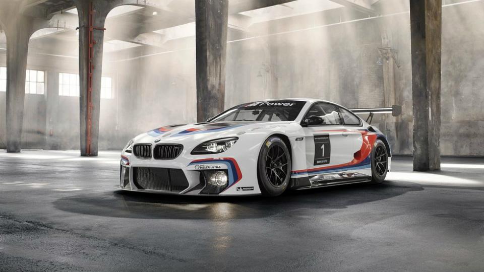 Компания BMW подготовила купе M6 к гонкам