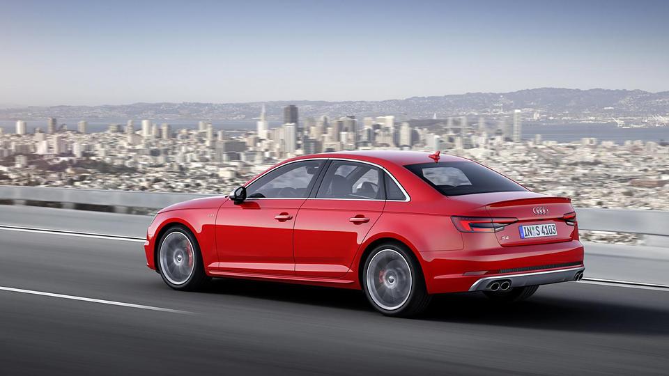 """Audi S4 получила новый трехлитровый мотор и """"автомат"""". Фото 1"""