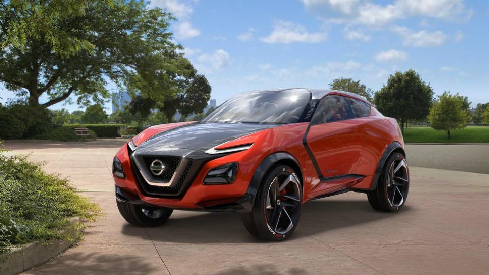 Nissan скрестил кроссовер со спорткаром