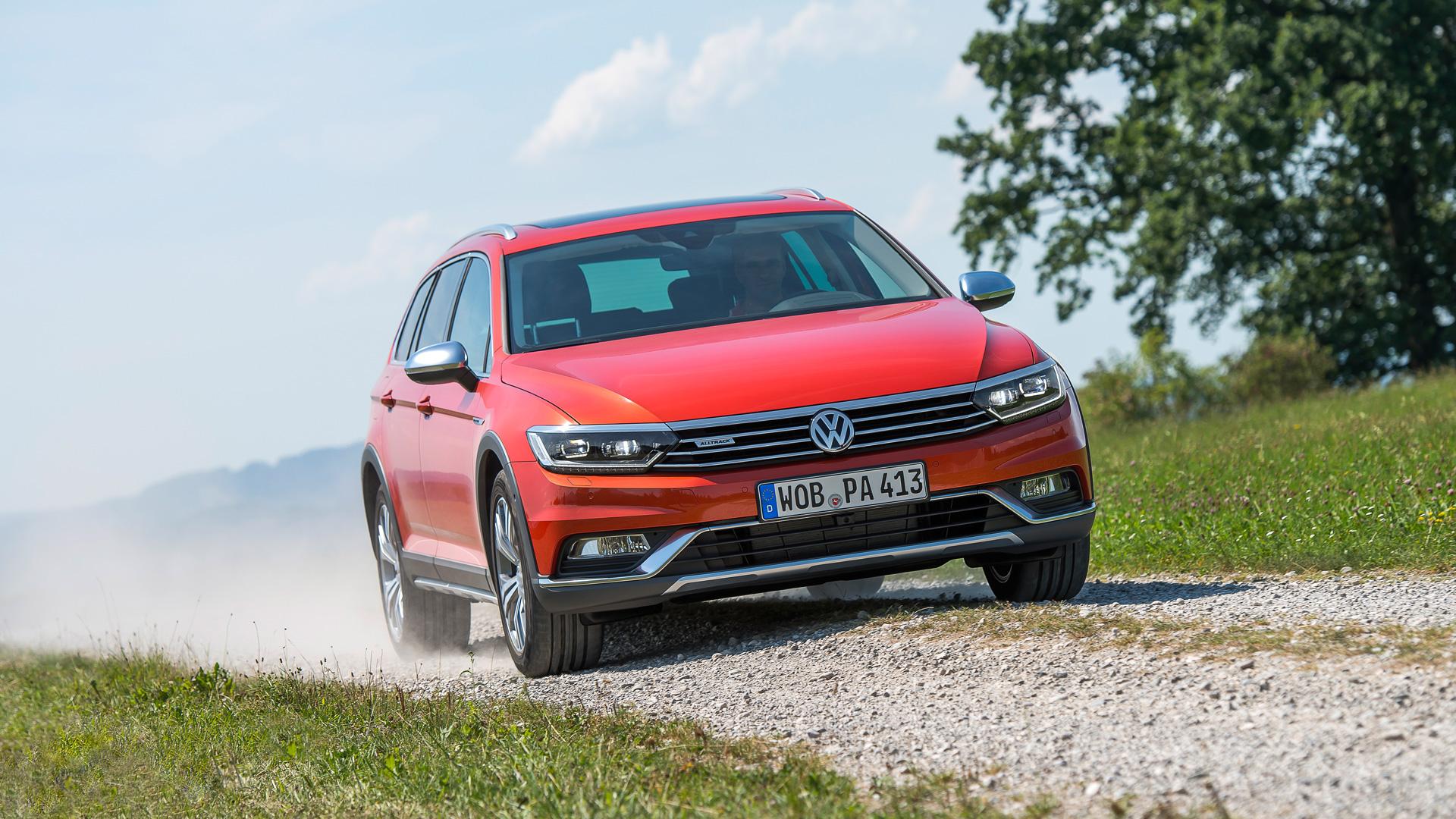 Что общего между рыжим VW Passat Alltrack и желтыми «Кроксами». Фото 2