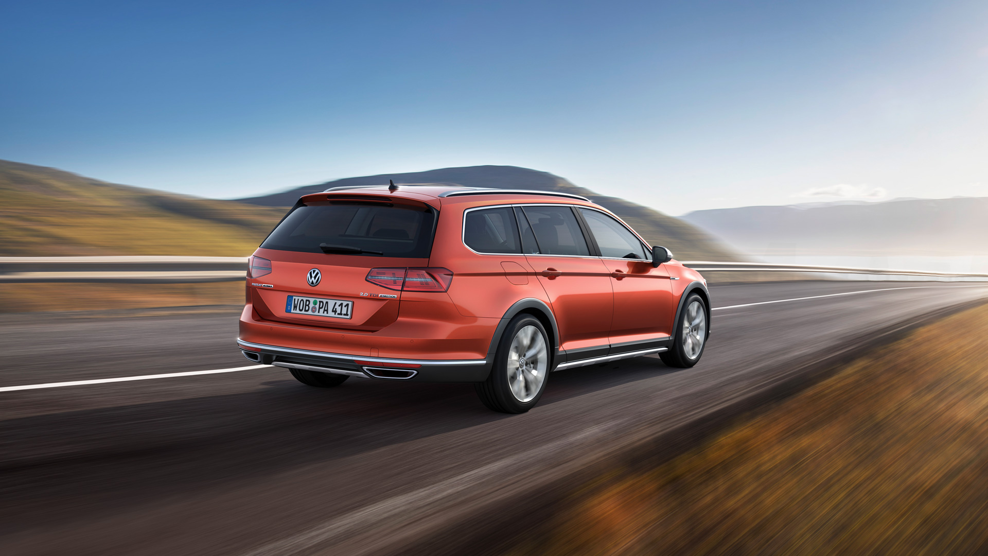 Что общего между рыжим VW Passat Alltrack и желтыми «Кроксами». Фото 5