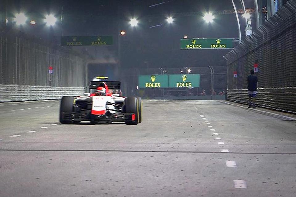 Команда Mercedes оступилась в Сингапуре, позволив легко выиграть Феттелю. Фото 3