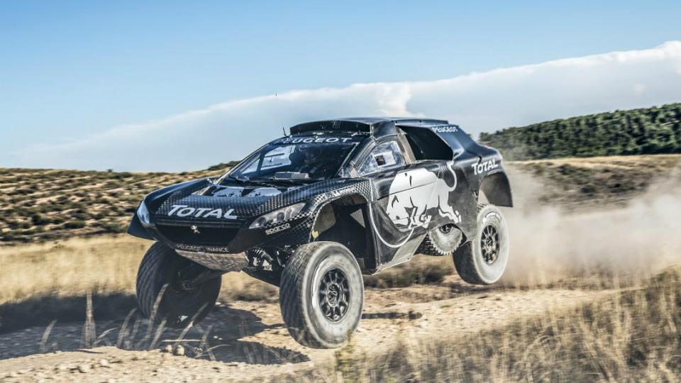 Машина Peugeot для «Дакара» стала больше и мощнее