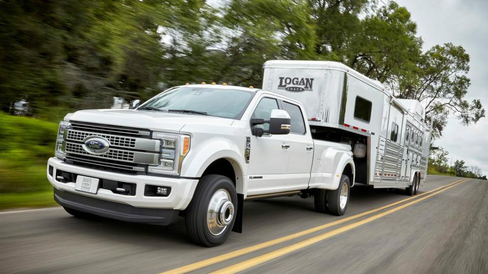 «Форд» представил семейство F-Series Super Duty нового поколения. Фото 1