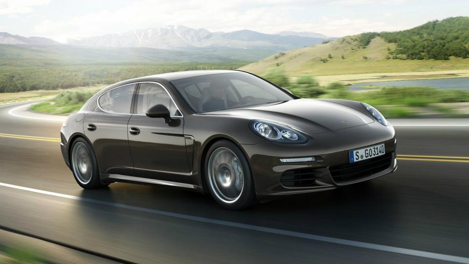 Названа дата дебюта новой Porsche Panamera