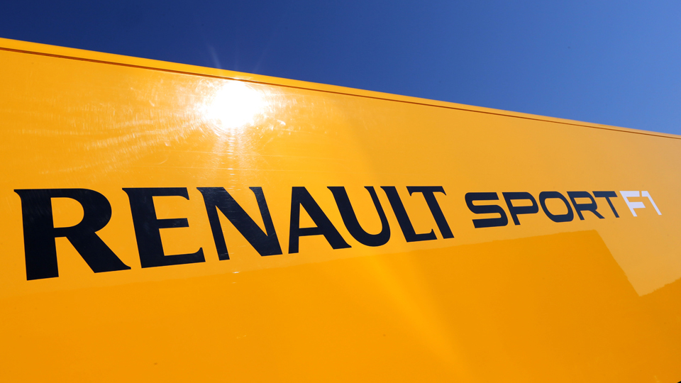 Компания Renault договорилась с Lotus о покупке команды Формулы-1