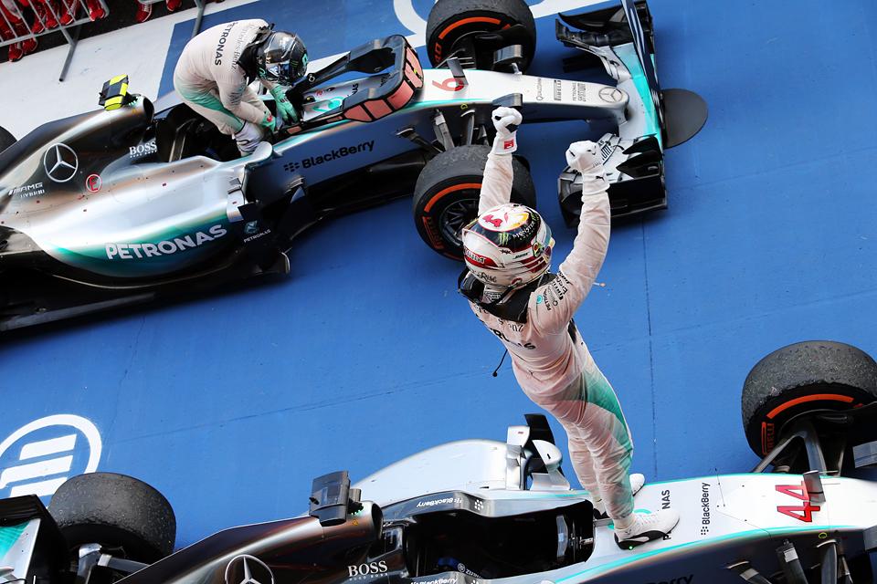Очередной дубль Mercedes окончательно убил интригу в Формуле-1. Фото 3