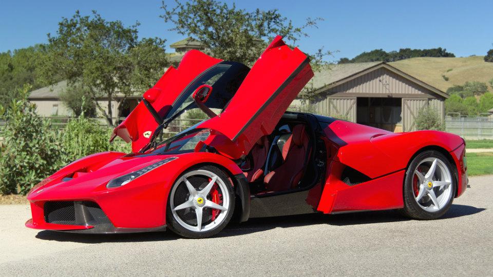 Британец «бросил» у дилера купленный Ferrari LaFerrari