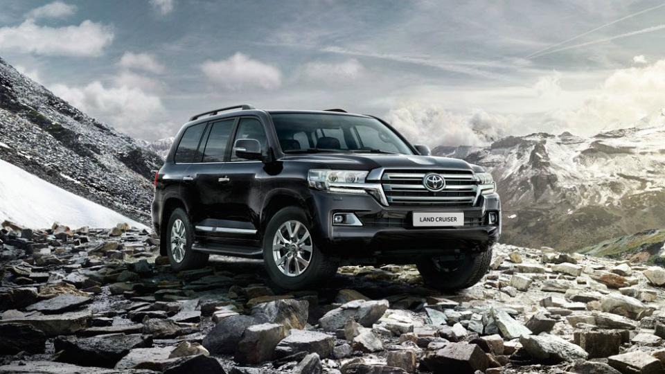 Toyota назвала рублевые цены обновленного Land Cruiser 200