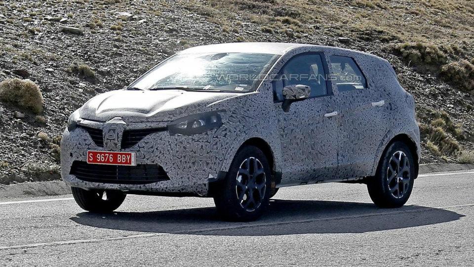Компания Renault вывела на испытания большой Captur