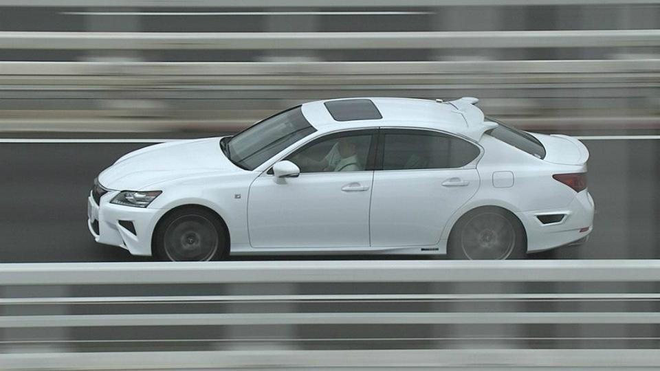 Lexus GS научился ездить по автомагистрали без водителя