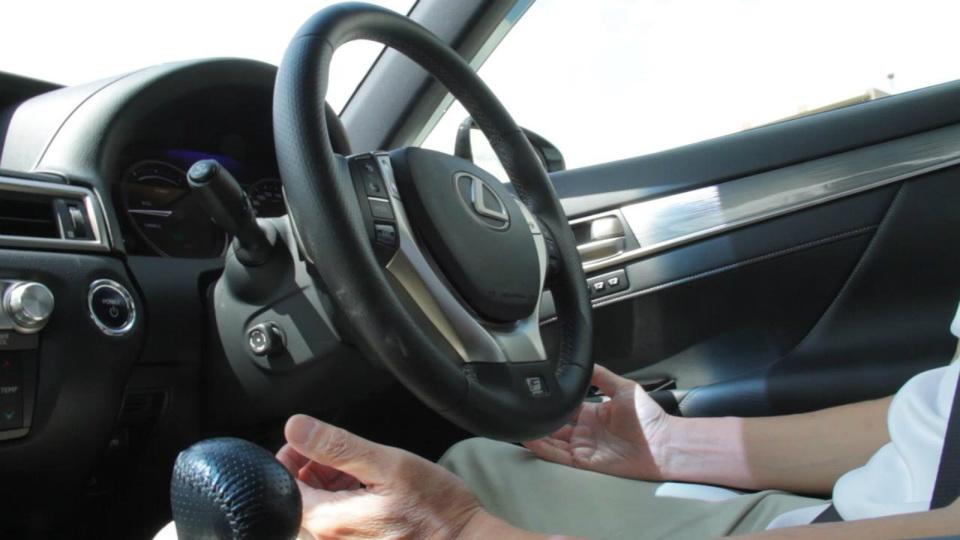 Lexus также представил автопилот, готовый к установке в серийные авто. Видео