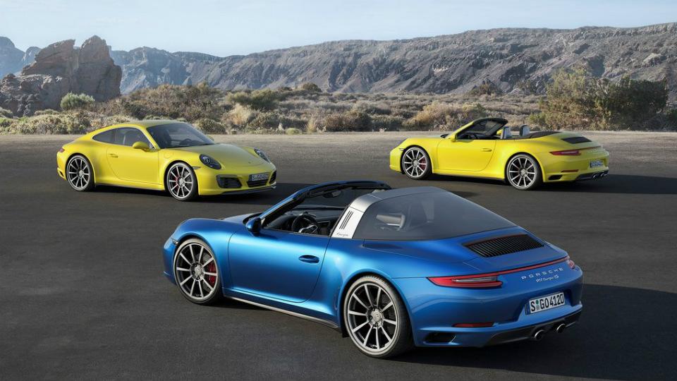 Дебютировали обновленные спорткары Porsche 911 Carrera 4 и Targa 4
