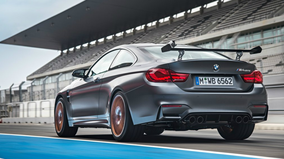 У купе BMW M4 появилась 500-сильная трековая модификация. Фото 1