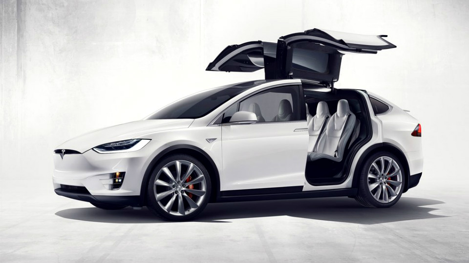 Компактный вседорожник построят на базе седана Tesla Model 3