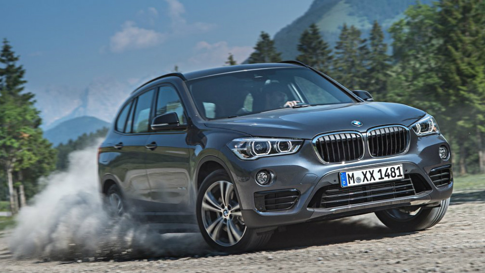 Российскому BMW X1 добавили базовый дизель и «механику»