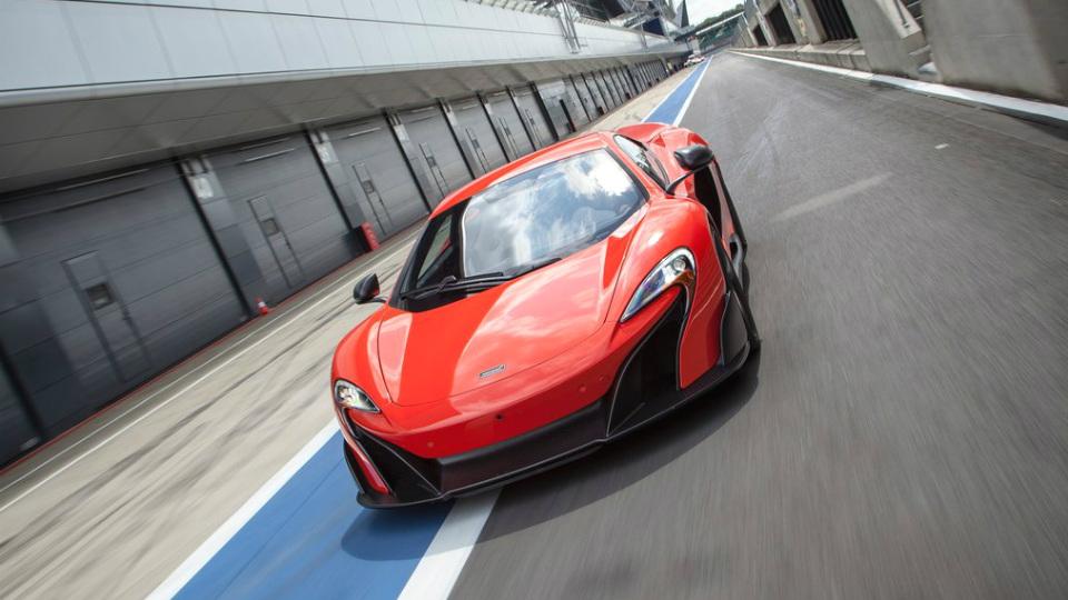 Самый мощный McLaren 650S получит открытую версию