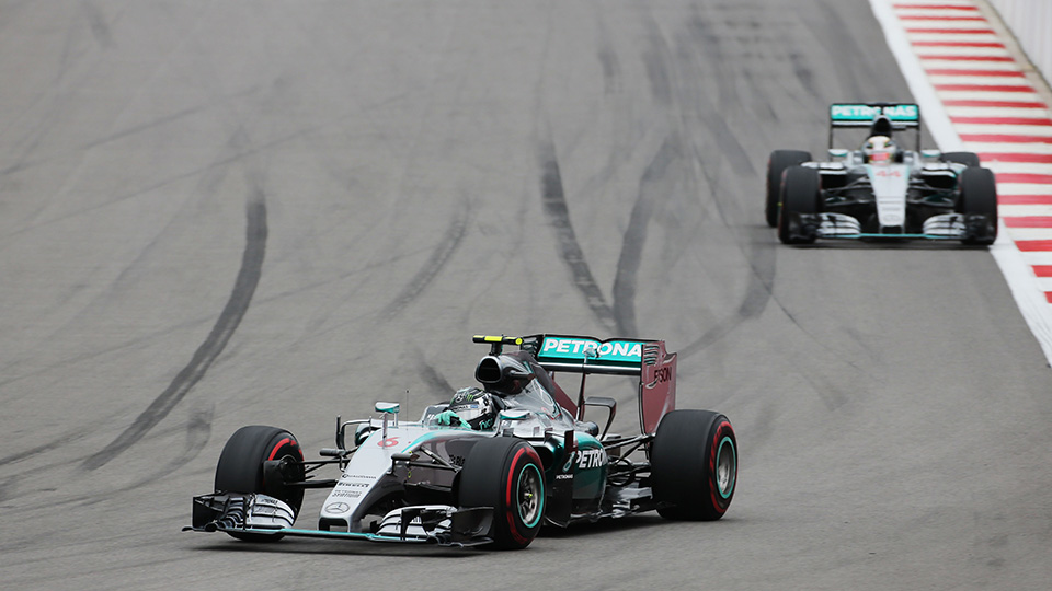 Штраф Райкконена принес Mercedes AMG чемпионский титул