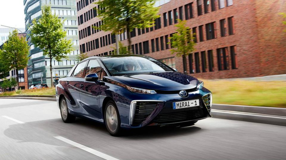 Toyota откажется от бензиновых автомобилей к 2050 году
