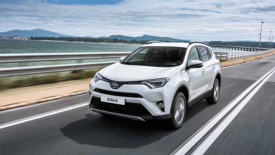 «Тойота» назвала рублевую стоимость обновленного RAV4