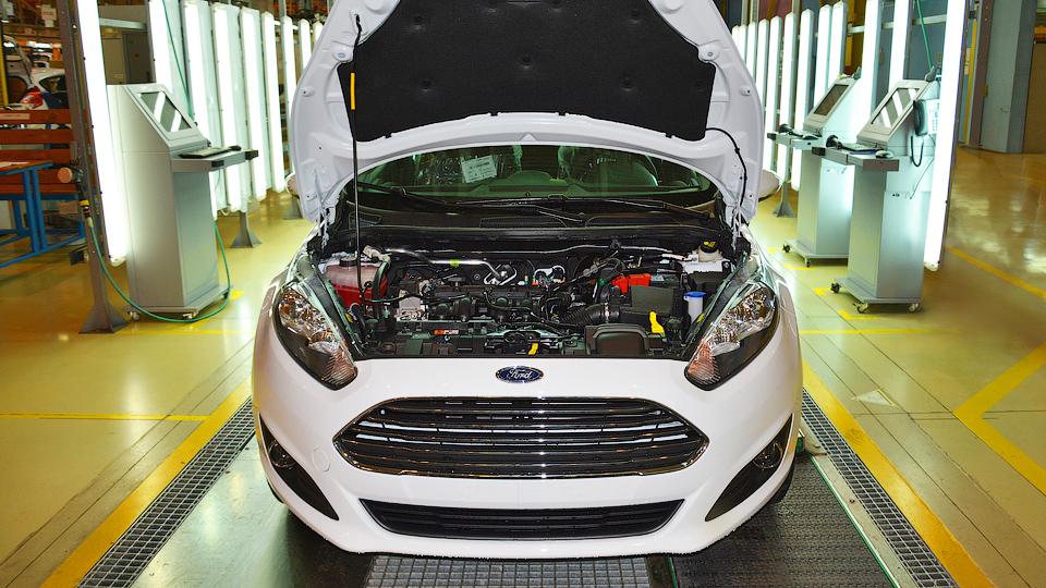 Ford собрал первый автомобиль с российским двигателем