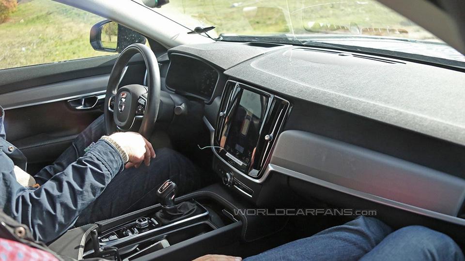 Интерьер преемника Volvo S80 перестал быть секретом