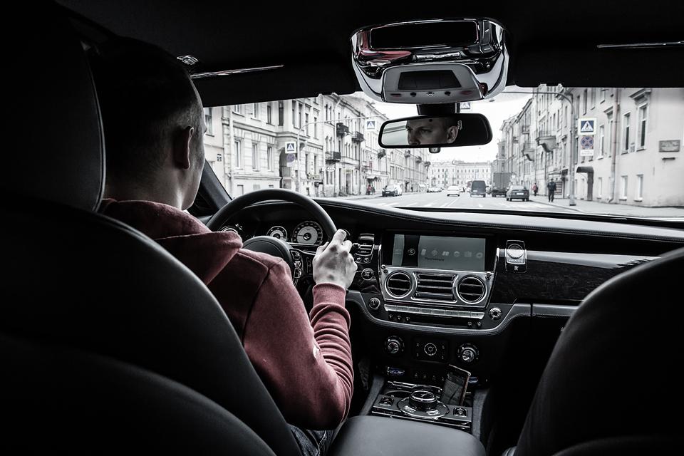 Из Питера в Москву на Rolls-Royce Wraith: вечная история на машине вне времени. Фото 4